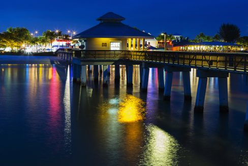 Colorfull_evening_on_the_pier_in_Fort_Myers_Beach_Gulf_of_Mexico_Coast_Florida_shutterstock_361968341_1200x680