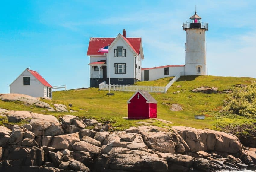 Midday_at_Nubble_Lighthouse_AKA_Cape_Neddick_York_Maine_USA_terrenosnaflorida-com_shutterstock_672790399_1200x680