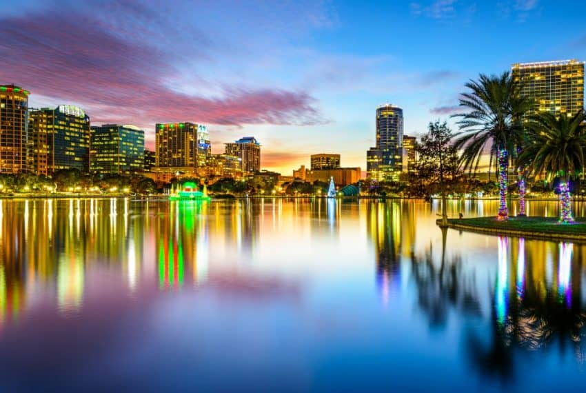 Orlando_Florida_USA_downtown_city_skyline_on_Eola_Lake_terrenosnaflorida-com_shutterstock_241289380_1200x680