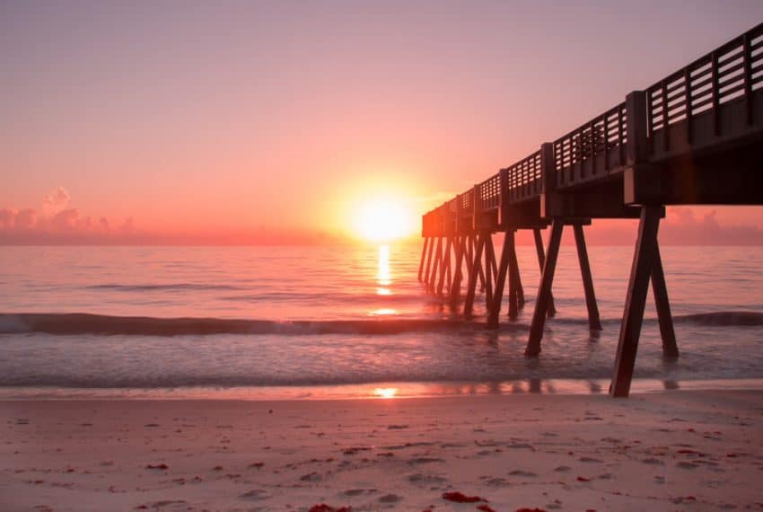 Summer_sunrise_in_Vero_Beach_Fla_terrenosnaflorida-com_shutterstock_1161470407_1200x680
